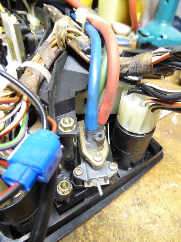 heat and a c control vacuum leak fix diy rh bimmerforums com Crankcase Heater Valve BMW Heater Control Valve